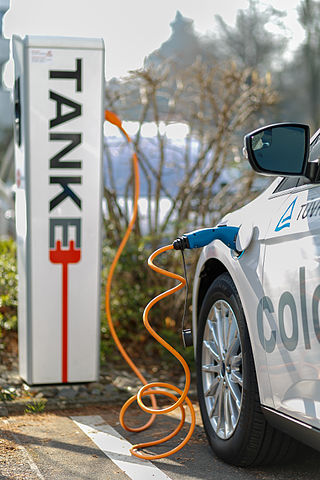 Cologne_Germany_Electric-Car-Charging-Point-at-TUV-Rheinland-02