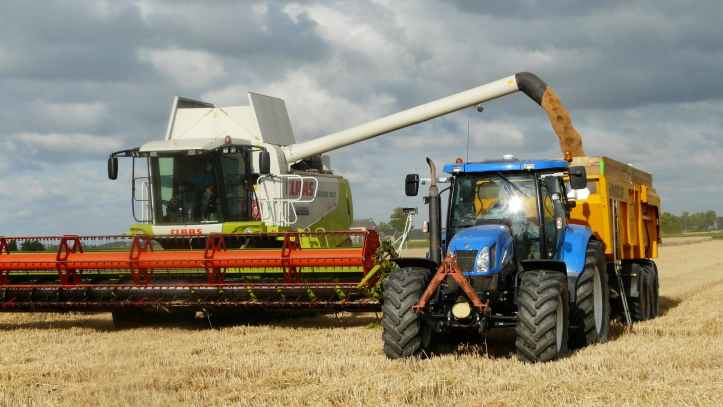 harvest-grain-combine-arable-farming-163752.jpeg