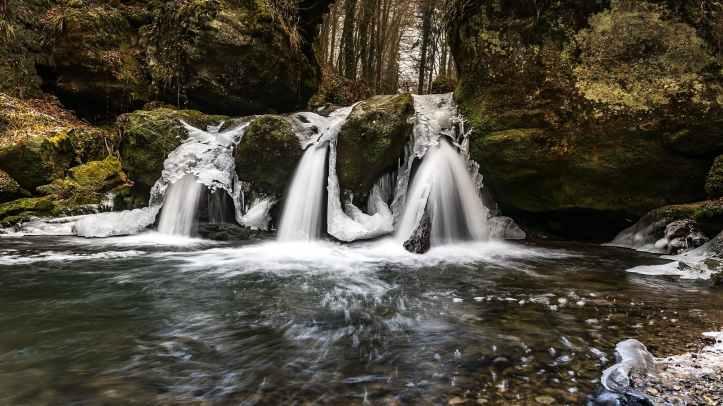 boulder cascade creek environment