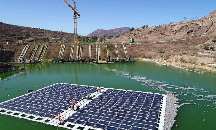 ENERGIA RENOVABLE Y DESARROLLO SOSTENIBLE EN CHILE Y AMERICA LATINA