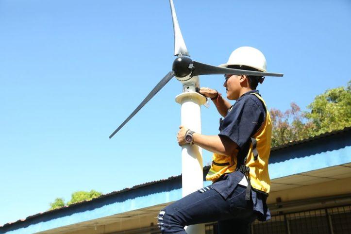 instalación eólica energia ENERGIA LIMPIA XXI CORTESIA INATEC