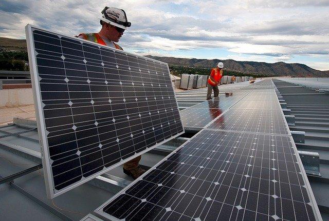 solar-panels-1794467_640