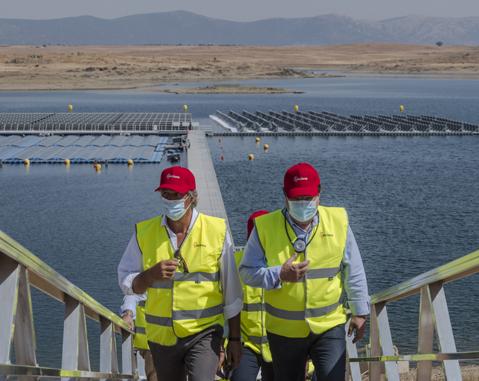 planta-fotovoltaica-flotante-acciona