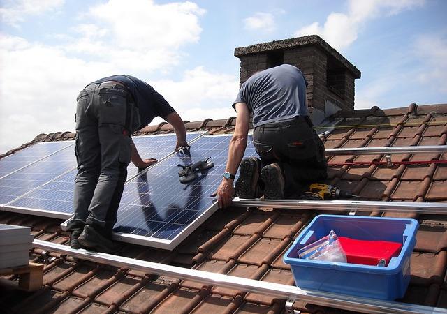 solar-panels-943999_640-2